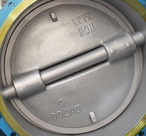 double flange type butterfly valve