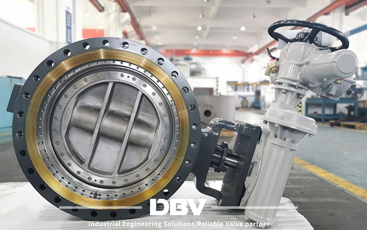 Triple eccentric metal to metal bi-direction butterfly valve